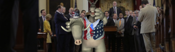 Video: Republican Urges Liberal Democrats To Vote In GOP Primary