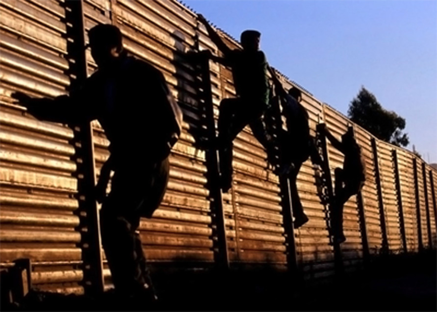 RERfirst: SEN. HALL REPORTS 5,000+ INVADERS CROSSING RIO GRANDE PER WEEK (AUDIO)