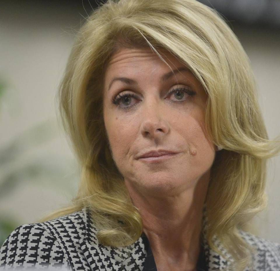 Wendy Davis: Legislature would kill Patrick transgender restroom bill
