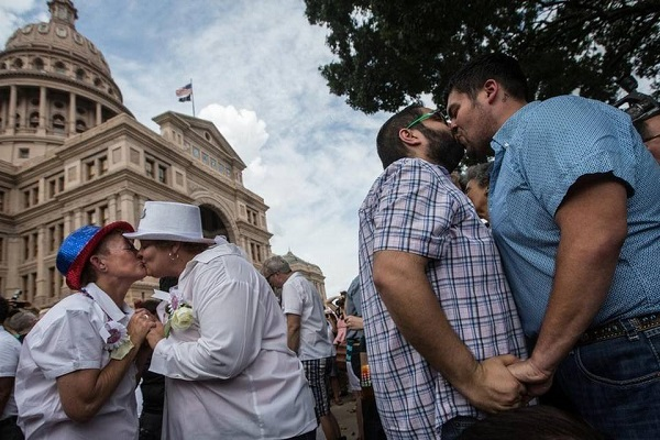 Texas Republicans want to narrow scope of same-sex marriage ruling