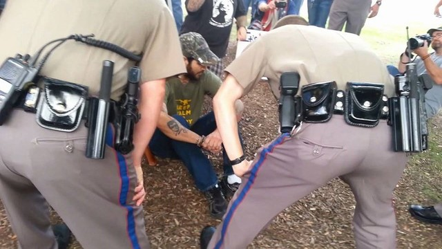 2 arrested at Capitol for carrying 'black powder' handguns