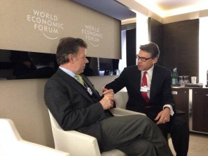 Rick Perry defends states right to legalize pot at world summit